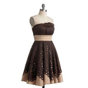 🍁 Modcloth laser-cut truffle dress